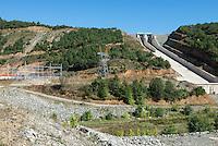 TURKEY, Mengen, Köprübaşı HEPP, hydro power station of Yueksel Holding / TUERKEI, Mengen, Köprübaşı HEPP, Wasserkraftwerk der Yueksel Holdung, Staudamm