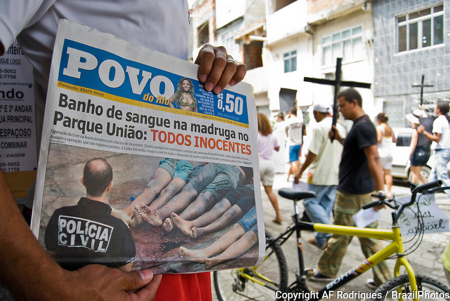 Demonstration against police violence, Favela da Maré, Rio de Janeiro, Brazil, December 20, 2008. The day before, during a police  incursion in the favela for combating drug traders, four innocent people were killed.