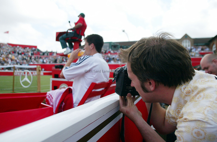 Photograph: Scott Heavey..Day 2 of the Stella Artois Championship at the Queens Club. 10/06/2003..Tim Henman.