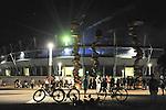 A passeggio in Piazza Olimpica durante le prove per il concerto degli U2