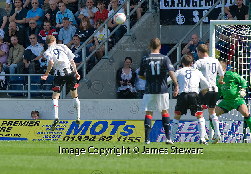 07/08/2010   Copyright  Pic : James Stewart.sct_jsp001_falkirk_v_dunfermline  .::  PAT CLARKE HEADS HOME THE FIRST FOR DUNFERMLINE ::  .James Stewart Photography 19 Carronlea Drive, Falkirk. FK2 8DN      Vat Reg No. 607 6932 25.Telephone      : +44 (0)1324 570291 .Mobile              : +44 (0)7721 416997.E-mail  :  jim@jspa.co.uk.If you require further information then contact Jim Stewart on any of the numbers above.........