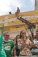 Candidata pelo partido Verde Marina Silva, chega à Belém para caminhada na feira do Ver o Peso durante campanha à presidência da república e é recebida por centenas miliitantes e feirantes.<br /> Belém, Pará, Brasil.<br /> Foto Paulo Santos<br /> 28/09/2010