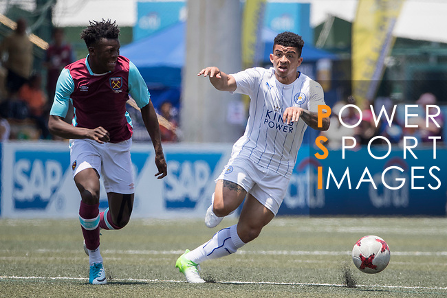 Leicester City (in white) vs West Ham United (in purple) during their Main Tournament Cup Quarter-Final match, part of the HKFC Citi Soccer Sevens 2017 on 28 May 2017 at the Hong Kong Football Club, Hong Kong, China. Photo by Chris Wong / Power Sport Images