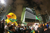 SÃO PAULO,SP, 17.03.2016 - PROTESTO-SP - Manifestantes estão pelo menos a 24 horas na Avenida Paulista, em São Paulo, em protesto ao governo Dilma nesta quinta-feira, após a posse de Lula como ministro da Casa Civil e a suspensão de sua nomeação pela justiça. Os manifestantes decidiram não atender ao apelo da Polícia Militar (PM) para desobstruir a via. (Foto: William Volcov/Brazil Photo Press)