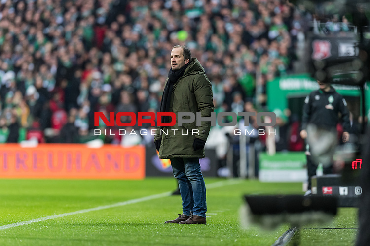 10.02.2019, Weserstadion, Bremen, GER, 1.FBL, Werder Bremen vs FC Augsburg<br /> <br /> DFL REGULATIONS PROHIBIT ANY USE OF PHOTOGRAPHS AS IMAGE SEQUENCES AND/OR QUASI-VIDEO.<br /> <br /> im Bild / picture shows<br /> Manuel Baum (Trainer / Head Coach FC Augsburg) in Coachingzone / an Seitenlinie, <br /> <br /> Foto © nordphoto / Ewert