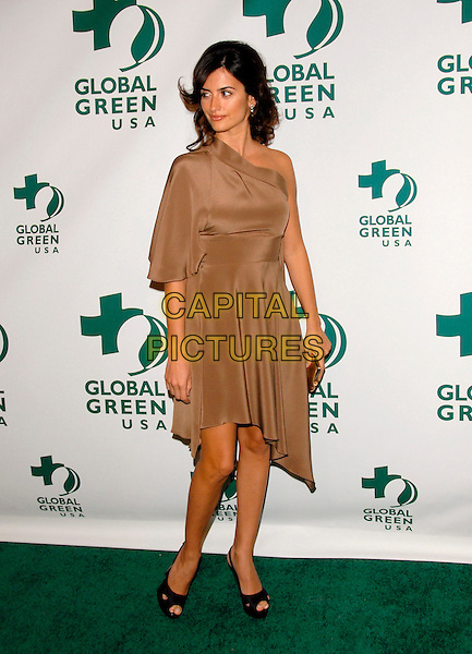 PENELOPE CRUZ.The 3rd Annual Global Green Pre-Oscar Party held at Avalon in Hollywood, California, USA. .February 21st, 2007.oscars full length brown beige satin one shoulder dress black peep toe peeptoe shoes platform.CAP/DVS.©Debbie VanStory/Capital Pictures