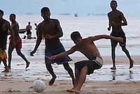 Pescadores de folga nas praias de Joanes.<br /> Ilha de Marajó, Salvaterra, Pará, Brasil.<br /> 06/05/2006<br /> Foto Paulo Santos/Interfoto