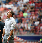 Nederland, Amsterdam, 30 augustus 2015<br /> Eredivisie<br /> Seizoen 2015-2016<br /> Ajax-ADO Den Haag<br /> Frank de Boer, trainer-coach van Ajax geeft aanwijzingen.