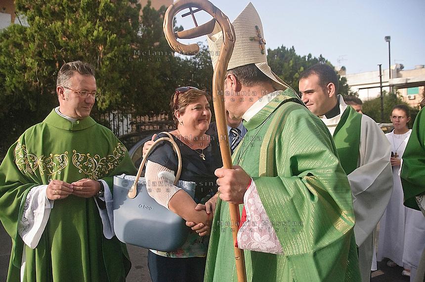 I coniugi Re  insieme al Vescovo di Palermo.<br /> The bishop of Palermo Corrado Lorefice meets Re family