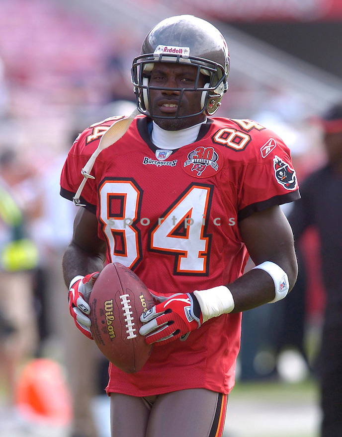 Joey Galloway, of the  Tampa Bay Buccaneers, in action during their game against the Chicago Bears on November 27, 2005.  .Chris Bernachhi / SportPics..Bears win 13-10