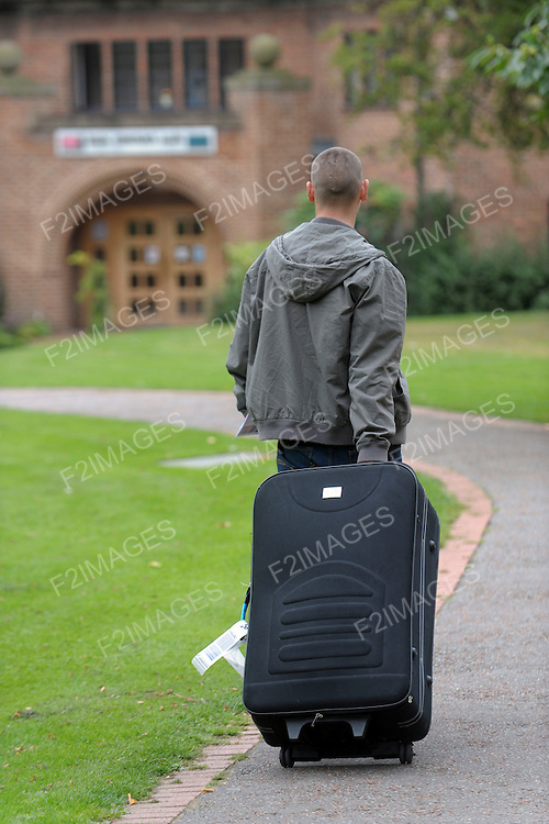 Students at University,moving in and out and about on campus...Photo Alan Edwards