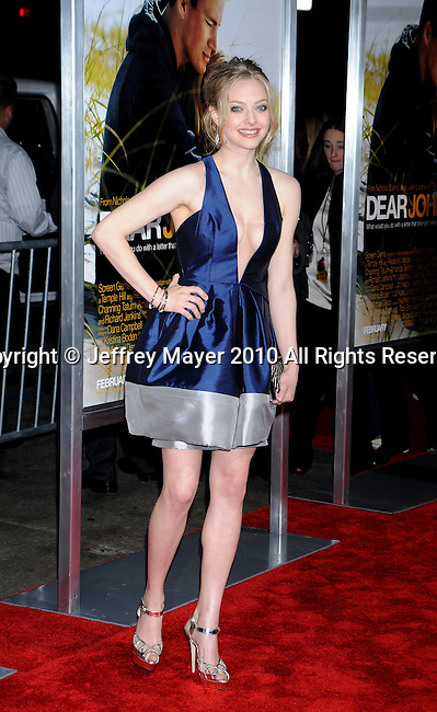 "HOLLYWOOD, CA. - February 01: Amanda Seyfried arrives at the ""Dear John"" World Premiere held at Grauman's Chinese Theatre on February 1, 2010 in Hollywood, California."