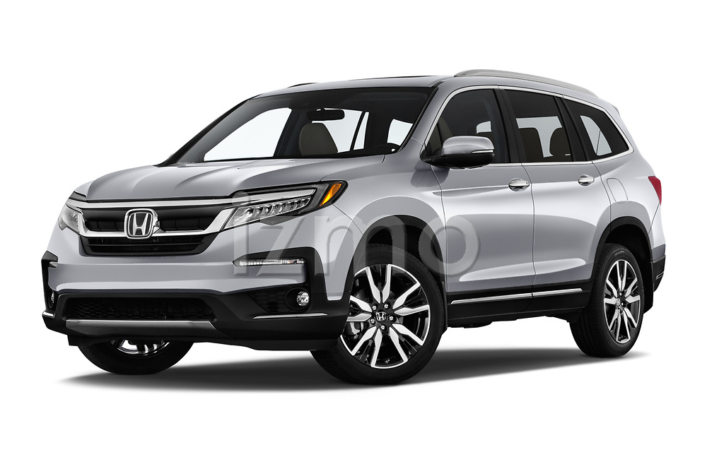 Stock pictures of low aggressive front three quarter view of a 2019 Honda Pilot Touring 5 Door SUV