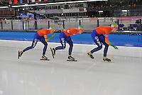 SCHAATSEN: BERLIJN: Sportforum, 08-12-2013, Essent ISU World Cup, Team Pursuit Ladies, Marrit Leenstra, Ireen Wüst, Jorien ter Mors (NED), ©foto Martin de Jong