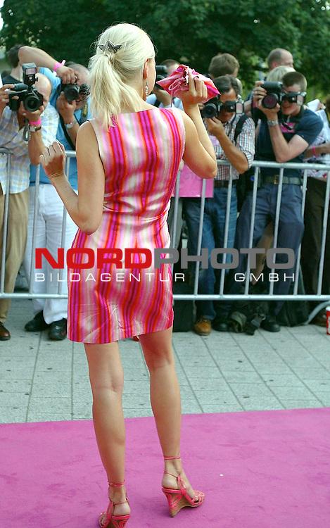 Natuerlich Blond 2<br /> Deutschlandpremiere in Hamburg im Cinemax Dammtor<br /> <br /> Foto &copy; nordphoto / Anja Heinemann<br /> <br /> <br /> <br />  *** Local Caption *** Foto ist honorarpflichtig! zzgl. gesetzl. MwSt.<br />  Belegexemplar erforderlich<br /> Adresse: nordphoto<br /> Georg-Reinke-Strasse 1<br /> 49377 Vechta<br /> Telefon: 04441-89400 / Fax: 04441-894022