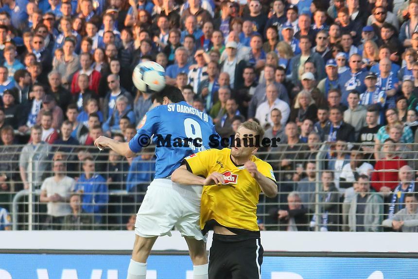 Dominik Stroh-Engel (SV98) gegen Kacper Przybylko (Bielefeld) - SV Darmstadt 98 vs. Armina Bielefeld, Stadion am Böllenfalltor