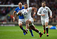 Manu Tuilagi of England goes on the attack. Guinness Six Nations match between England and Italy on March 9, 2019 at Twickenham Stadium in London, England. Photo by: Patrick Khachfe / Onside Images
