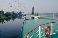 The Katharina von Bora enters the locks on the Elbe shortly after leaving Melnik.