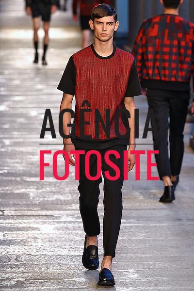 Milao, Italia &ndash; 22/06/2013 - Desfile de Neil Barrett durante a Semana de moda masculina de Milao  -  Verao 2014. <br /> Foto: Zeppelin/FOTOSITE