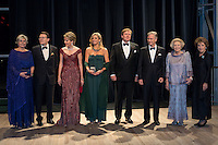 Diner de Gala et concert offert par le roi Philippe et la reine Mathilde de Belgique de Belgique lors d'une visite d'&eacute;tat de 3 jours aux Pays-Bas.<br /> Pays-Bas, Amsterdam, 28 novembre 2016.<br /> Dinner and concert offered by the King Philippe and Queen Mathilde and King Maxima and King William Alexander during day two of the state visit to the Netherlands. State Visit to Netherlands Ko in the music building, Princess Beatrix, Prince Constantijn and Princess Laurentien, Princess Margriet and Mr. van Vollenhoven during day two of the state visit to the Netherlands of King Philippe of the Belgians accompanied by Queen Mathilde. King Willem Alexander and Queen Maxima. <br /> Netherlands, Amsterdam, 29 november 2016.