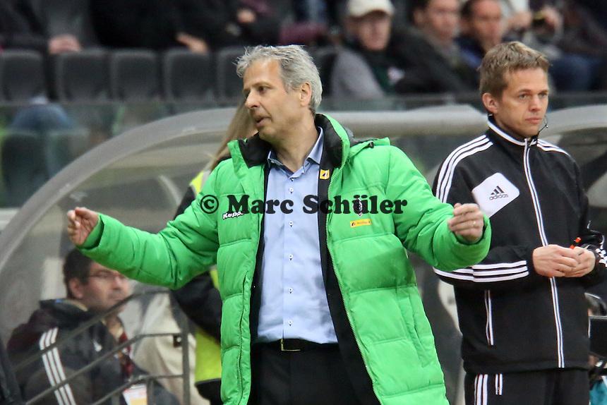 Trainer Lucien Favre (Gladbach) ratlos - Eintracht Franfurt vs. Borussia Mönchengladbach, Commerzbank Arena