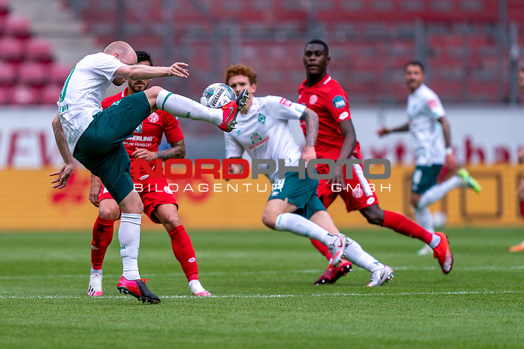Davy Klaassen (Werder Bremen #30), Joshua Sargent (Werder Bremen #19), Moussa Niakhate / Niakhaté (FSV Mainz 05 #19)<br /> <br /> <br /> Sport: nphgm001: Fussball: 1. Bundesliga: Saison 19/20: 33. Spieltag: 1. FSV Mainz 05 vs SV Werder Bremen 20.06.2020<br /> <br /> Foto: gumzmedia/nordphoto/POOL <br /> <br /> DFL regulations prohibit any use of photographs as image sequences and/or quasi-video.<br /> EDITORIAL USE ONLY<br /> National and international News-Agencies OUT.