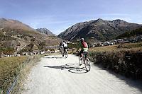 Un paesaggio nei pressi di Cogne, Parco Nazionale del Gran Paradiso, in Val d'Aosta.<br /> Scenic landscape with cyclists around Cogne, at the Gran Paradiso National Park, Aosta Valley.<br /> UPDATE IMAGES PRESS/Riccardo De Luca