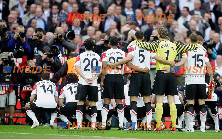28.05.2011, Wembley Stadium, London, ENG, UEFA CHAMPIONSLEAGUE FINALE 2011, FC Barcelona (ESP) vs Manchester United (ENG), im Bild Manchester Utd pose for the photographers    during  the UEFA  Champions League Final between Barcelona and Manchester United at the Wembley Stadium  in London    on 28/05/2011, EXPA Pictures © 2011, PhotoCredit: EXPA/ IPS/ M. Pozzetti *** ATTENTION *** UK AND FRANCE OUT!