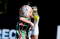 20161206/ Javier Calvelo - adhocFOTOS/ URUGUAY/ MONTEVIDEO/  DEPORTE - FUTBOL/ Copa Libertadores Femenina/ Uruguay recibe al torneo de clubes de mujeres m&aacute;s importante de Sudam&eacute;rica. <br /> Los grupos A y B disputar&aacute;n la Fase de Grupos en Montevideo. En el estadio Charr&uacute;a de Montevideo Col&oacute;n FC de Uruguay vs. Deportivo UAI Urquiza de Argentina. Col&oacute;n le gan&oacute; 2:1 a UAI Urquiza de Argentina, en su debut en la Copa Libertadores de Am&eacute;rica de F&uacute;tbol Femenino.<br /> En la foto: Col&oacute;n FC de Uruguay vs. Deportivo UAI Urquiza de Argentina por la Copa Libertadores de F&uacute;tbol Femenino en el Charr&uacute;a. Foto: Javier Calvelo/ adhocFOTOS