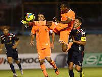 ENVIGADO -COLOMBIA-26-OCTUBRE-2014. Accion de juego entre los equipos Envigado FC contra el Independiente Medellin  durante partido de la 16 fecha de La Liga Postobon jugado en el estadio Polideportivo Sur. / Action game between teams Envigado FC and Independiente Medellin during the party's 16 date Postob—n League played at the Polideportivo Sur  Stadium  .  Photo: VizzorImage / Luis Rios / Stringer