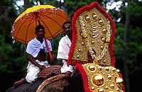 Asia-India-Kerala-traditioanal-fishing-house-boat-beach-lagoons-dance