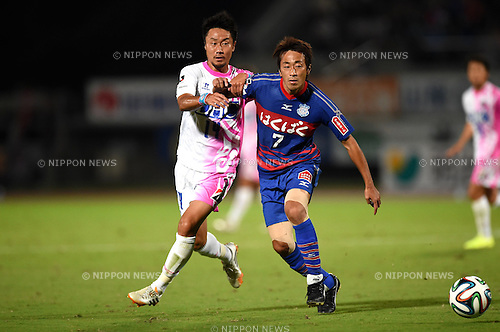 Naoyuki Fujita (Sagan), Katsuya Ishihara (Ventforet),<br /> SEPTEMBER 13, 2014 - Football / Soccer :<br /> 2014 J.League Division 1 match between Ventforet Kofu 1-0 Sagan Tosu at Yamanashi Chuo Bank Stadium in Yamanashi, Japan. (Photo by AFLO)