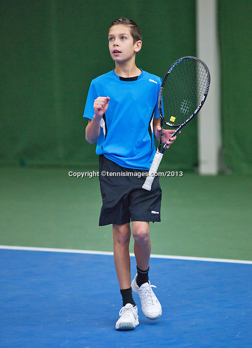 01-12-13,Netherlands, Almere,  National Tennis Center, Tennis, Winter Youth Circuit, Fons van Sambeek   <br /> Photo: Henk Koster