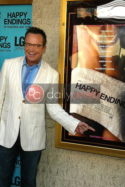 Tom Arnold<br /> at the Los Angeles Premiere of &quot;Happy Endings&quot; at Mann National Theater, Westwood, CA 06-26-05<br /> David Edwards/DailyCeleb.Com 818-249-4998