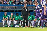12.10.2018, Stadion an der Bremen Bruecke, Osnabrueck, GER, FSP, 1.FBL, VfL Osnabrueck vs Werder Bremen<br /> <br /> DFL REGULATIONS PROHIBIT ANY USE OF PHOTOGRAPHS AS IMAGE SEQUENCES AND/OR QUASI-VIDEO.<br /> <br /> im Bild / picture shows<br /> Florian Kohfeldt (Trainer SV Werder Bremen) in Coachingzone / an Seitenlinie, <br /> <br /> Foto © nordphoto / Ewert
