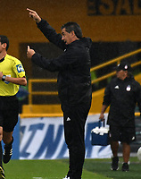BOGOTA - COLOMBIA - 04 – 03 - 2018: Jorge Da Silva, técnico, de America de Cali, durante partido de la fecha 6 entre Millonarios y America de Cali, por la Liga Aguila I 2018, jugado en el estadio Nemesio Camacho El Campin de la ciudad de Bogota. / Jorge Da Silva, coach of America de Cali, during a match of the 6th date between Millonarios and America de Cali, for the Liga Aguila I 2018 played at the Nemesio Camacho El Campin Stadium in Bogota city, Photo: VizzorImage / Luis Ramirez / Staff.
