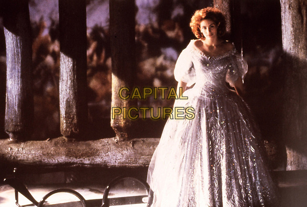 Hook (1991) <br /> Julia Roberts<br /> *Filmstill - Editorial Use Only*<br /> CAP/KFS<br /> Image supplied by Capital Pictures