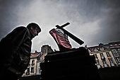 Warsaw 13/04/2010 Poland<br /> People mourning the tragic death of President Lech Kaczynski and his wife.<br /> Photo: Adam Lach / Napo Images for The New York Times<br /> <br /> Zaloba po tragicznej smierci Prezydenta Lecha Kaczynskiego i jego malzonki.<br /> Fot: Adam Lach / Napo Images for The New York Times