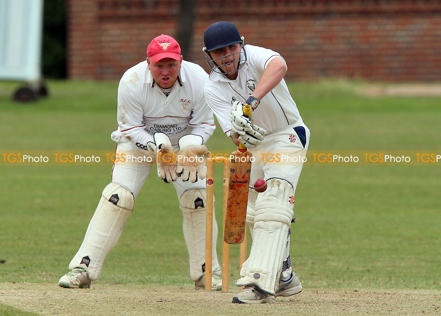 Gordon Whorlow in batting action for Fives as Paul Murray keeps wicket - Hornchurch CC vs Fives & Heronians CC - Essex Cricket League - 06/06/09 - MANDATORY CREDIT: Gavin Ellis/TGSPHOTO - Self billing applies where appropriate - 0845 094 6026 - contact@tgsphoto.co.uk - NO UNPAID USE.