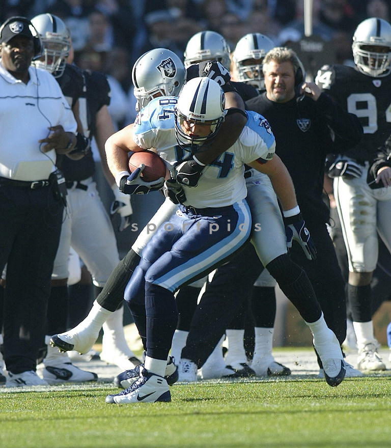 Shad Meier during the Tennessee Titans v. Oakland Raiders game on December 19, 2004...Raiders win 40-35..Rob Holt / SportPics