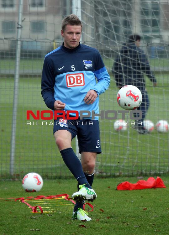 04.01.2013, Sportpark, Berlin,<br /> GER, 2.FBL, Hertha BSC Berlin, Training<br /> im Bild , Maik Franz (Hertha BSC Berlin)<br /> <br /> <br /> <br /> <br /> <br /> Foto &copy; nph / Schulz