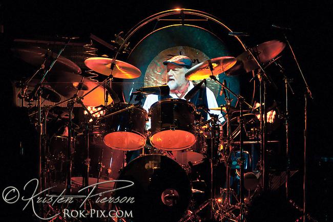 Fleetwood Mac performs at Mohegan Sun Arena in Uncasville, Connecticut April 20, 2013