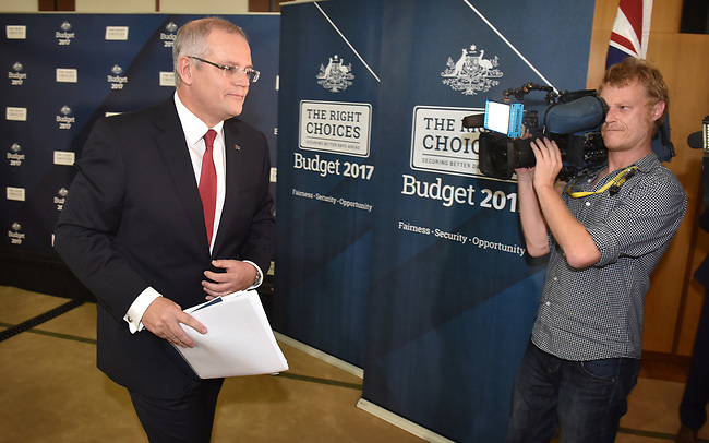 Australian Treasurer Scott Morrison leaves a press conference in the Budget Lockup at Parliament House in Canberra, Australia, on Tuesday, May 9, 2017.  Photographer: Mark Graham/Bloomberg