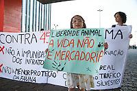 SÃO PAULO, SP - 13.09.2013 - MANIFESTAÇÃO CONTRA RESOLUÇÃO 457 DO CONAMA -  Grupo se reuni no vão do MASP na Av Paulista região central de São Paulo neste sábado (13). A manifestação luta pelos direitos dos animais silvestres e contra a resolução457 do Conama.. (Foto: Marcelo Brammer/Brazil Photo Press)