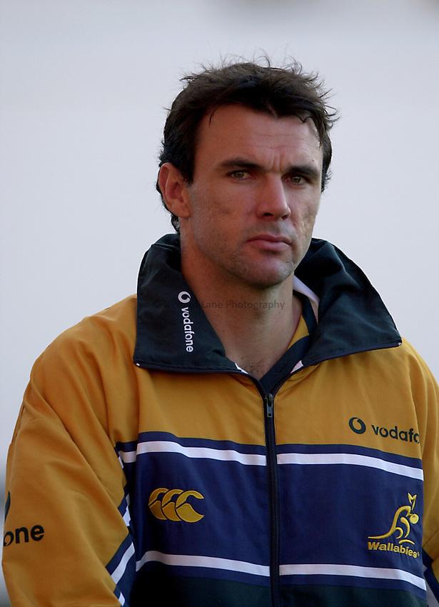 Photo. Richard Lane. .English National Divisions v Australia XV at Welford Road, Leicester. 28-10-2001.Joe Roff.
