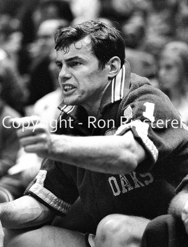 Oakland Oaks Doug Moe (1969 photo/Ron Riesterer)