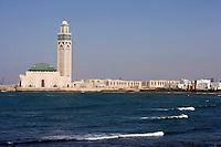 Afrique/Afrique du Nord/Maroc /Casablanca: la Grande Mosquée Hassan II s'avance sur l'Océan