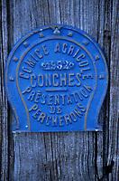 Europe/France/Normandie/Basse-Normandie/61/Orne/La Mesnière : Plaques d'élevage cheveaux percherons de la ferme de Montaumer