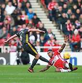 5th November 2017, Riverside Stadium, Middlesbrough, England; EFL Championship football, Middlesbrough versus Sunderland; Lee Cattermole of Sunderland beats Britt Assombalonga of Middlesbrough to the ball in the second half of the 1-0