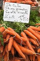 Europe/France/Poitou-Charentes/79/Deux-Sèvres/Niort: Carottes nouvelles de Coulon sur un étal du  marché